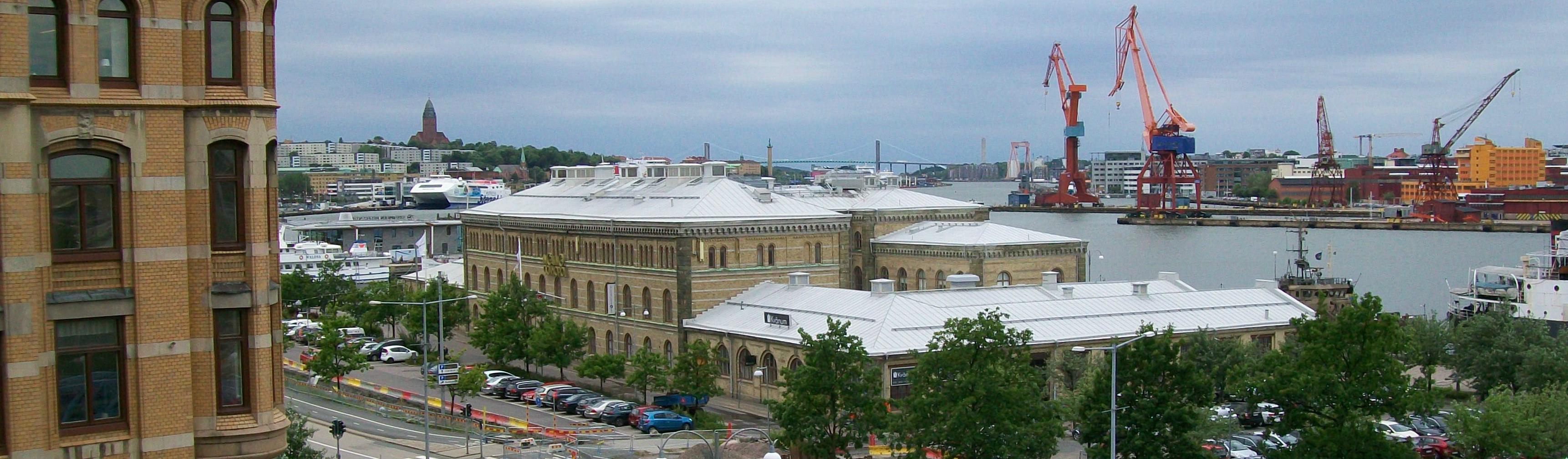 Mer än en miljon svenskar passerade detta hus ut i världen...